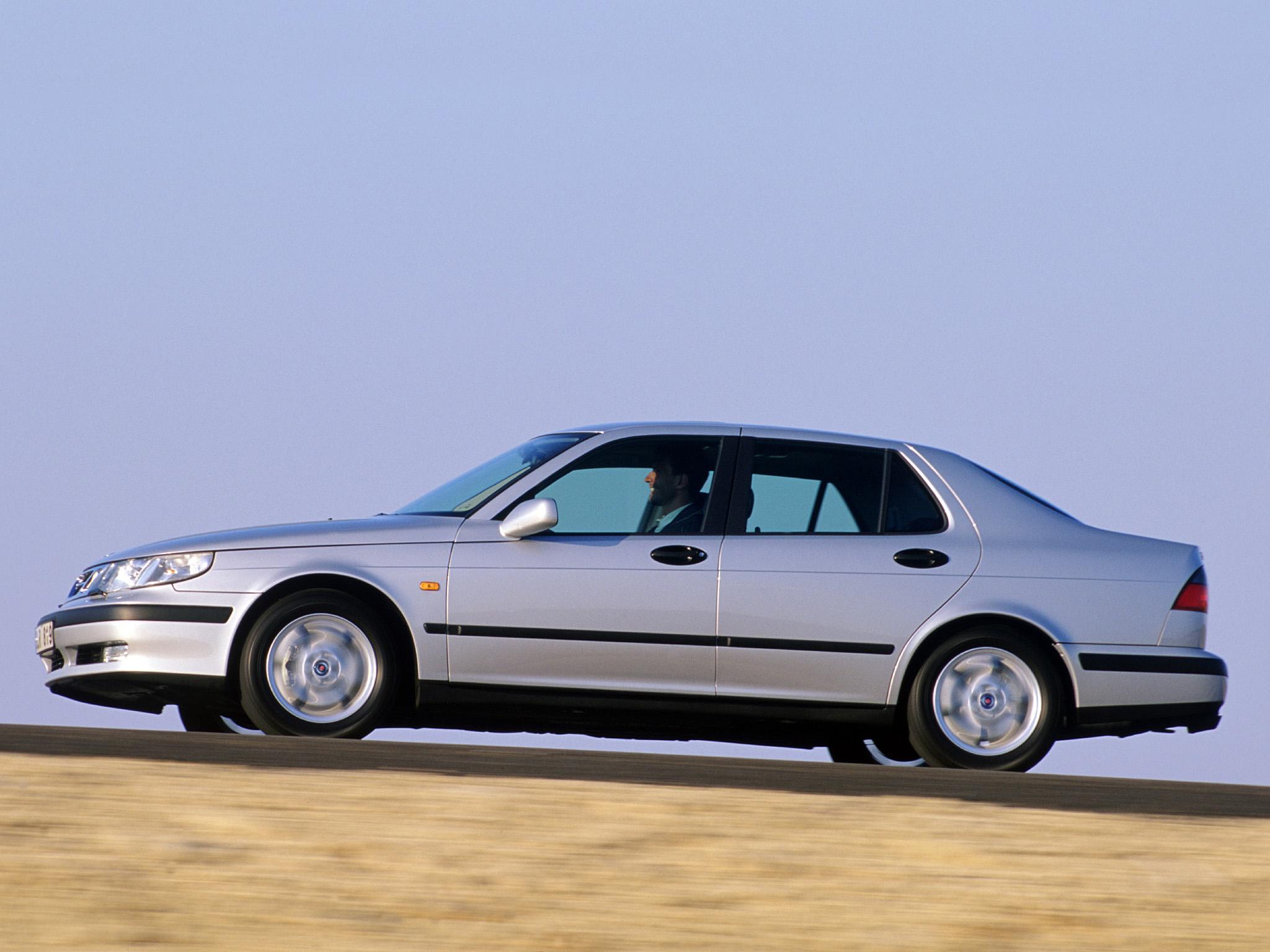 Nya 9-5, en betydligt snyggare, bekvämare och mer välbyggd bil än gamla 9000.
