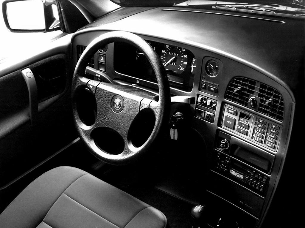 Saab 9000 från sin bästa sida. Form och funktion i utsökt symbios!