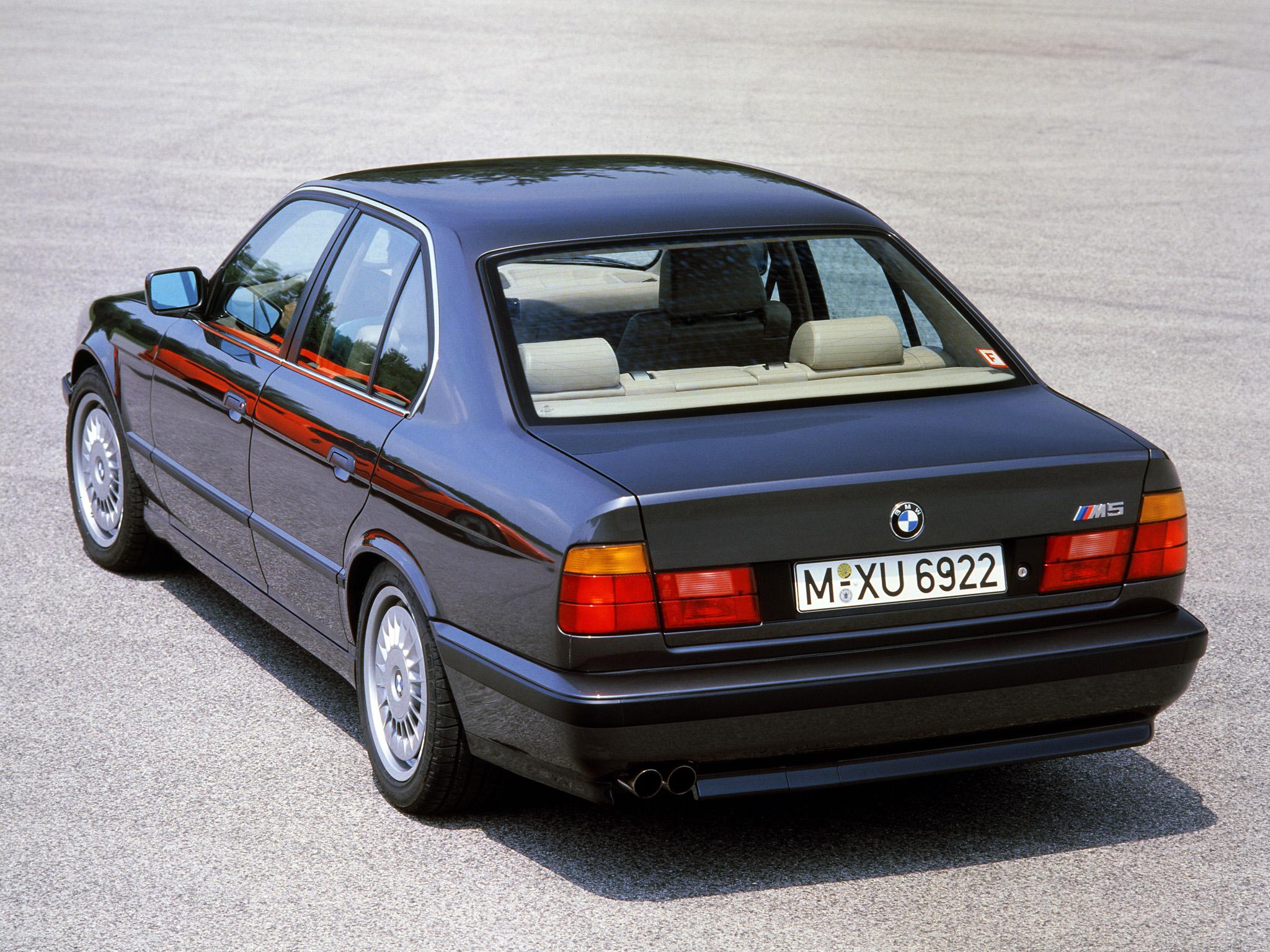 Supersedanen BMW M5 som saknade konkurrenter vid slutet av 80-talet.