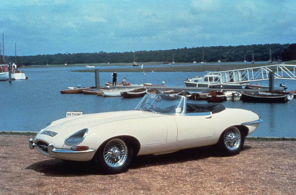 Jaguar E-Type slog världen med häpnad på Genève-salongen 1961.