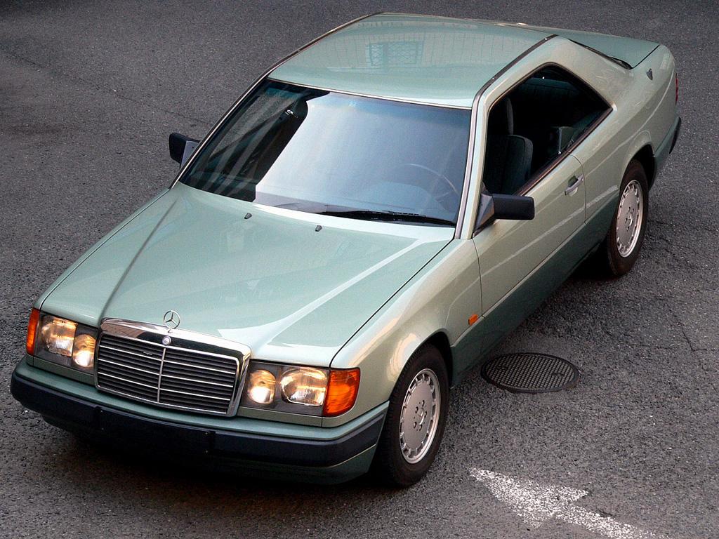 Coupémodellen, C124, passade mer in i Beverly Hills än på taxiparkeringen i Berlin. Den fanns bara med bensinmotorer på fyra och sex cylindrar, aldrig diesel eller V8.
