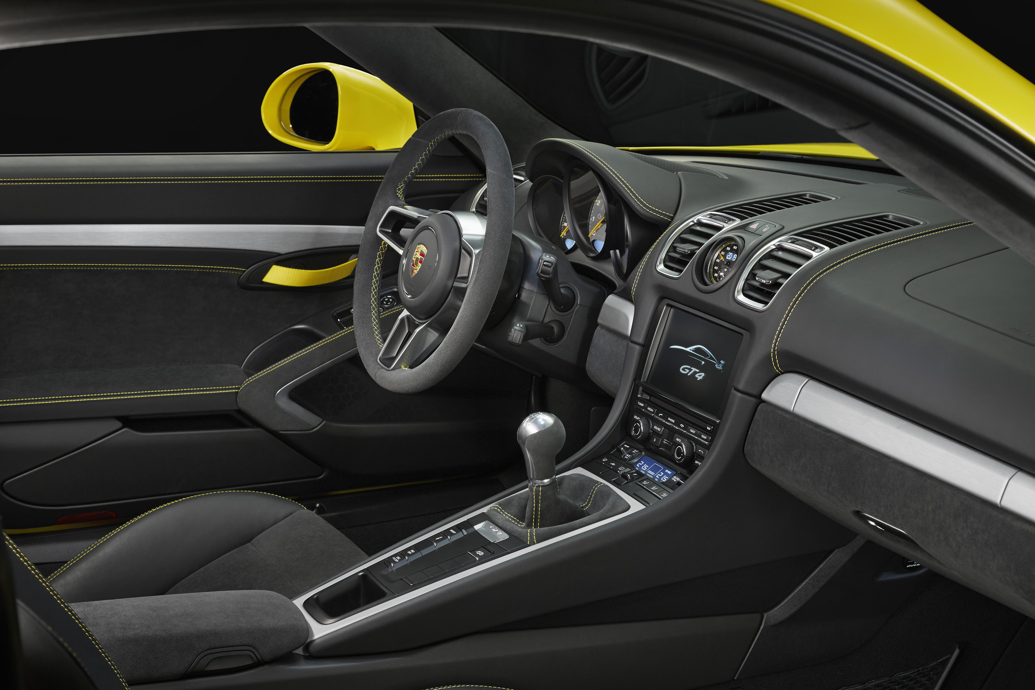 Porsche Cayman GT4, den raciga toppmodellen i Cayman-programmet. Tack och lov finns den bara med riktig manuell växellåda!