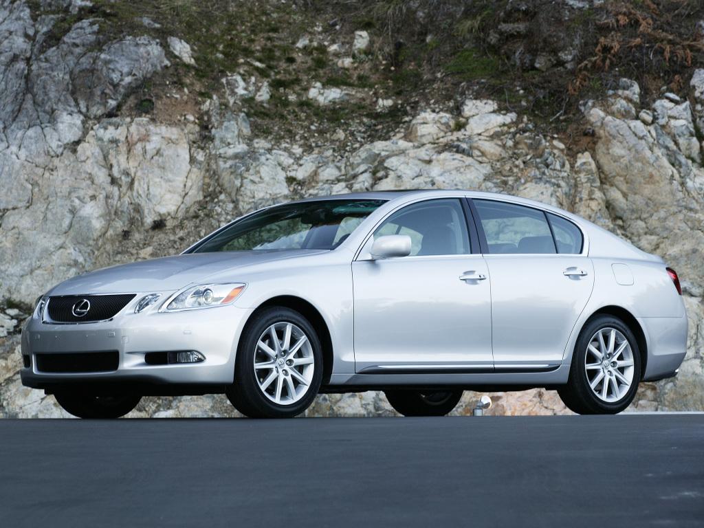 Den större Lexus GS i sin föregående generation, 2005-12, kanske blir det naturliga steget när familjen växer och man inte vill lämna den priviligierade Lexus-världen!