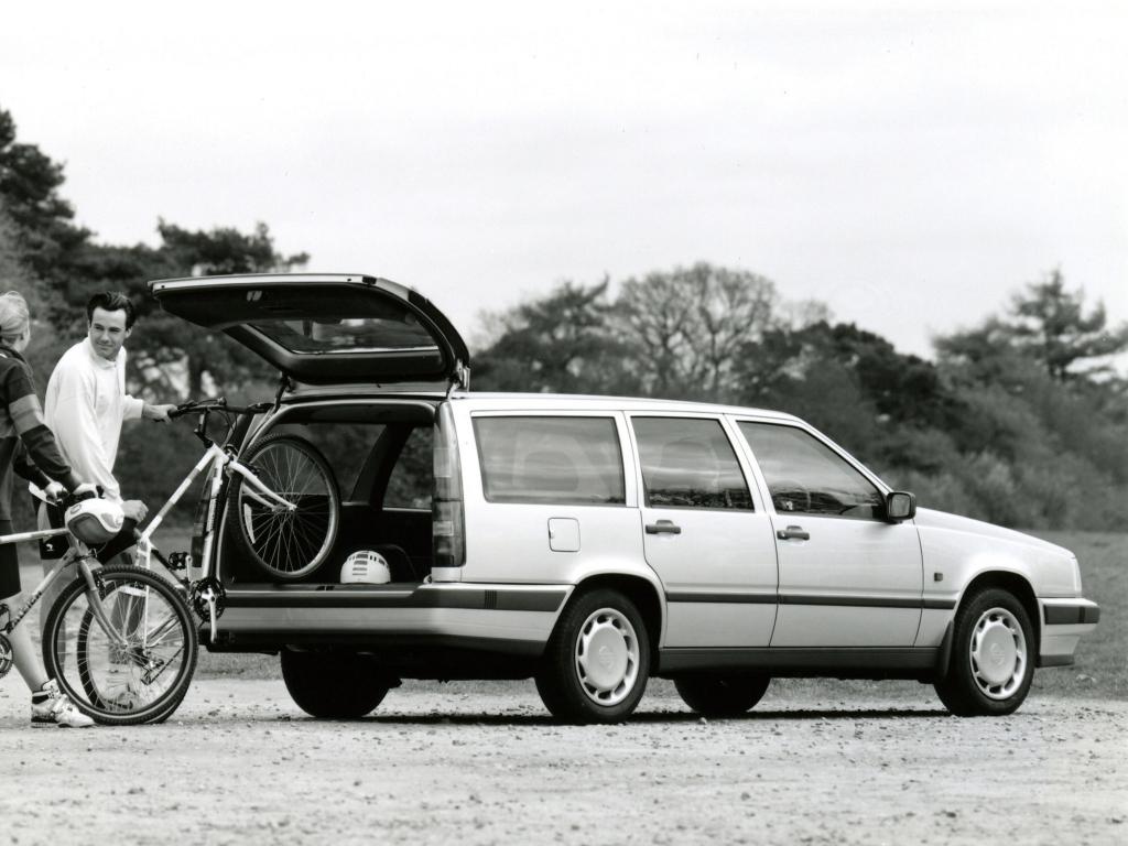En 850 kombi i beskedligare tvåventilsversion. Lite bekvämare åkkomfort jämfört med de mer styvfjädrade GLT och Turbo.