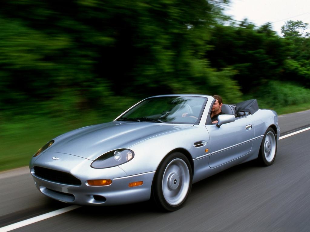 Aston Martin DB7 Volante, den populära öppna versionen. Ett måste i USA.