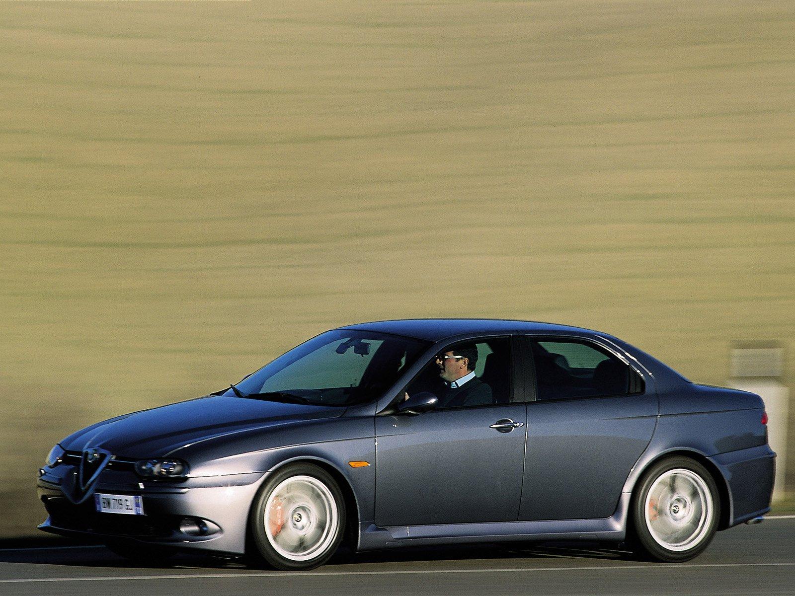 Senast Alfa hade en exotisk toppmodell i sitt mellanklassprogram var Alfa 156 GTA. Gick att styra med gasen enligt Alfas tekniker, trots framhjulsdrift! Men nog saknade den lite harmoni alltid. Idag är problemet äntligen avhjälpt.