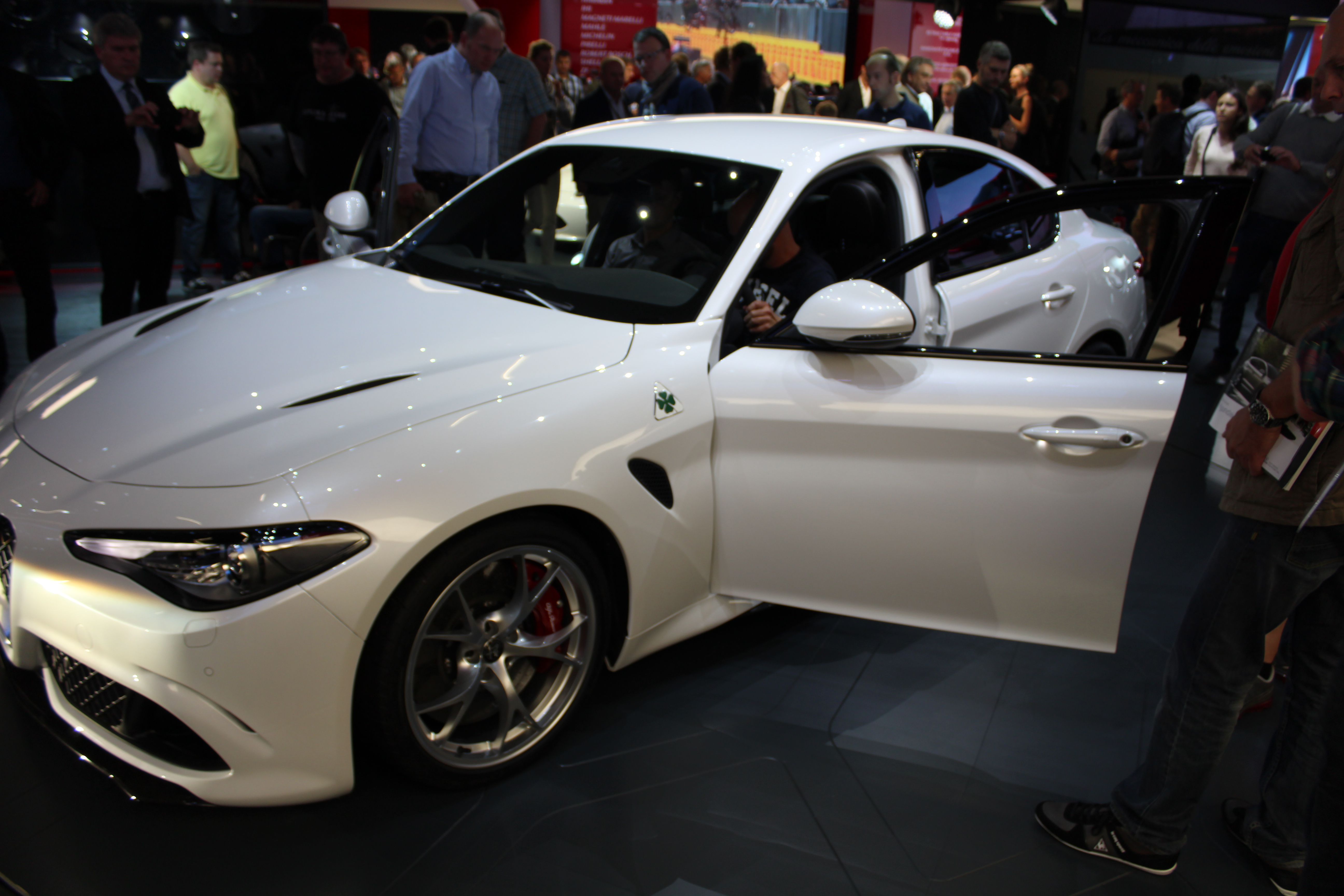 Nya Alfa Romeo Giulia - vacker som en dag!