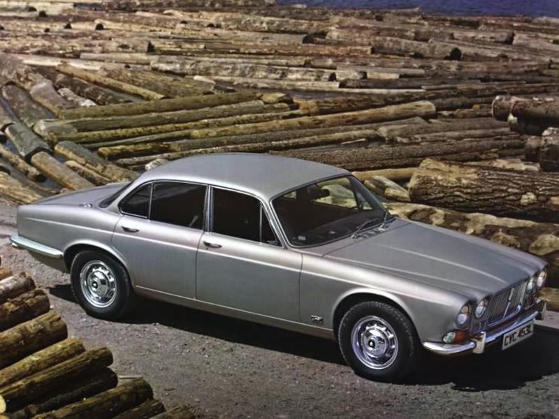 Första Jaguar XJ presenterad 1968. Den har stått modell för alla följande XJ-serier och även andra Jaguarer genom tiderna som följde.