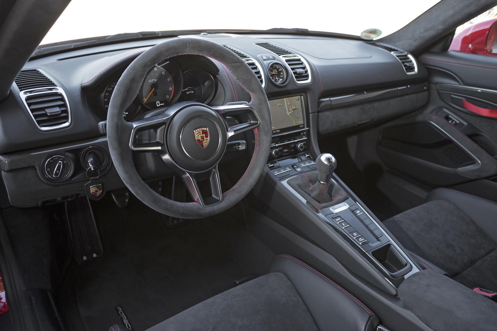 Endast manuell låda i Porsche Cayman GT4, den raciga toppmodellen i Cayman-programmet.