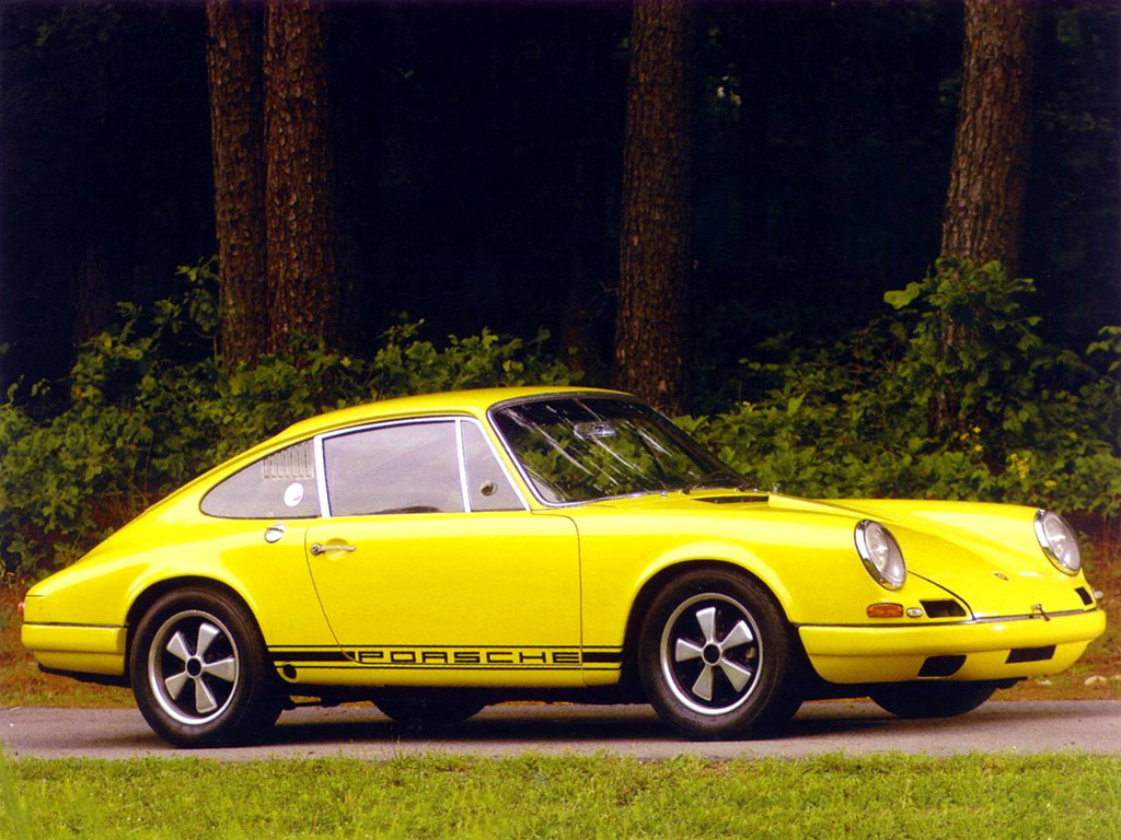 Den kraftigt lättade 911 R från 1967 - en stolt förfader!