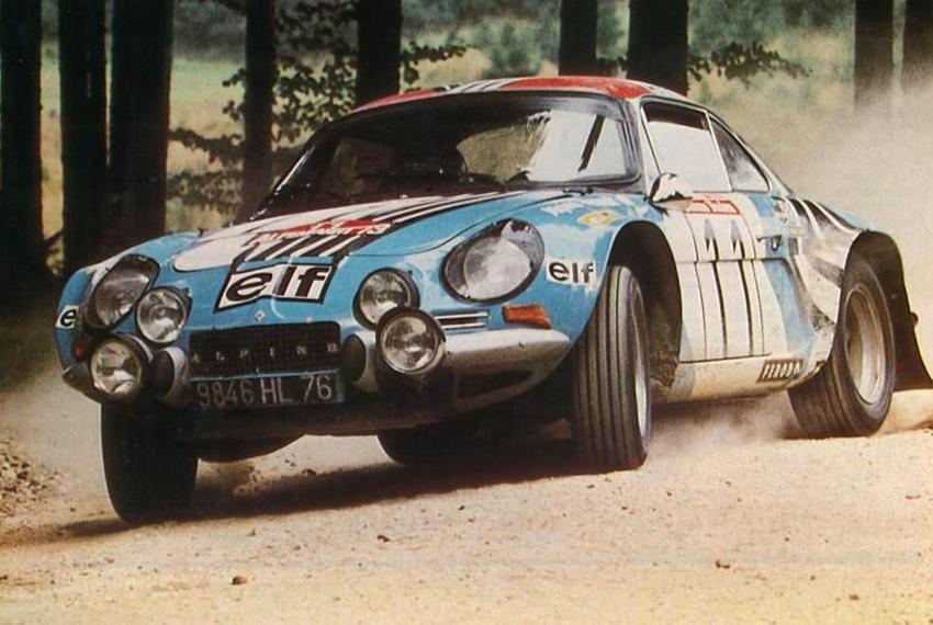 Alpine A110 i full karriär under en tävling 1973.