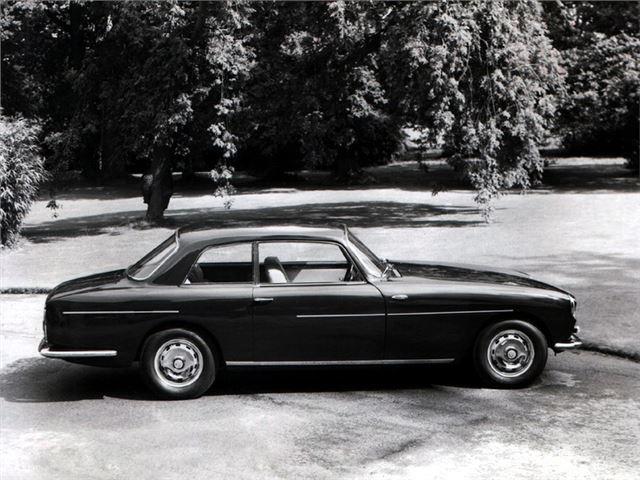 1961 introducerades en ny generation Bristol-bilar med en likaledes ny V8 från Chrysler. Först ut var Bristol 407 medan bilden visar en Bristol 408 från 1963. Denna generation kom att tillverkas fram till 1976 under olika beteckningar.