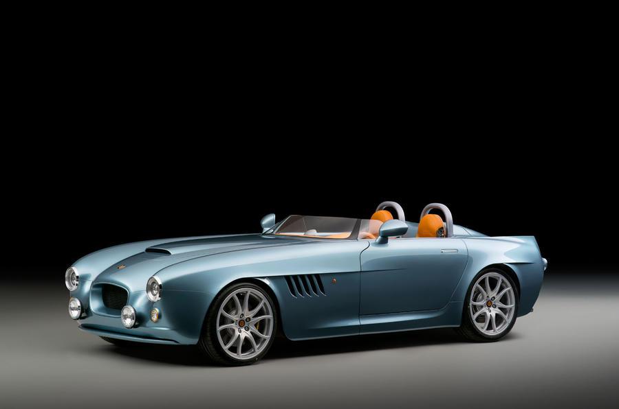 """Bristol Bullet. Märkets första bil sedan 2004 och först ut efter återuppståndelsen. Bristol har som synes valt att satsa på en extrem sportvagn av """"speedster""""-typ. Utlovas att gå som ett skott!"""
