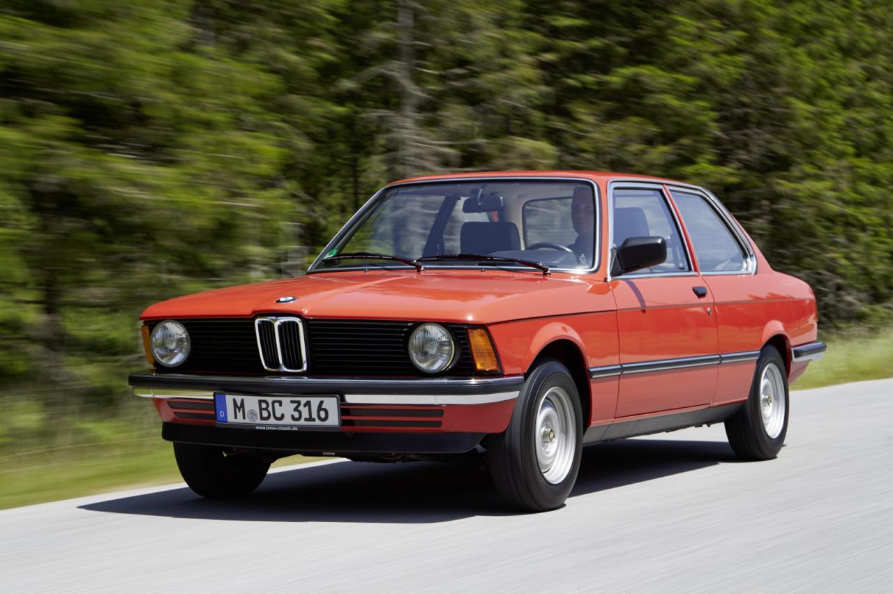En proper BMW 316 med sina enkla framlysen. Såg snällare ut än de saltare storebröderna!