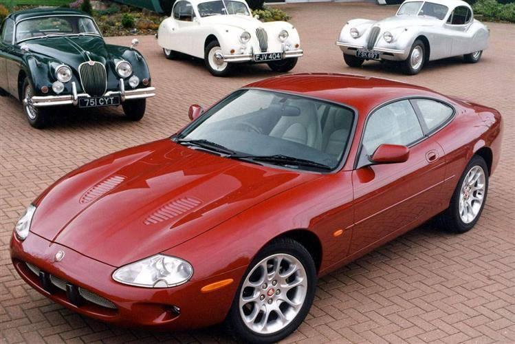 Jaguar XKR, en XK8 med kompressormatning och fasliga fartresurser