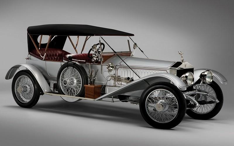 Rolls Royce Ghost visades 1906. Den första massproducerade Rollsen.