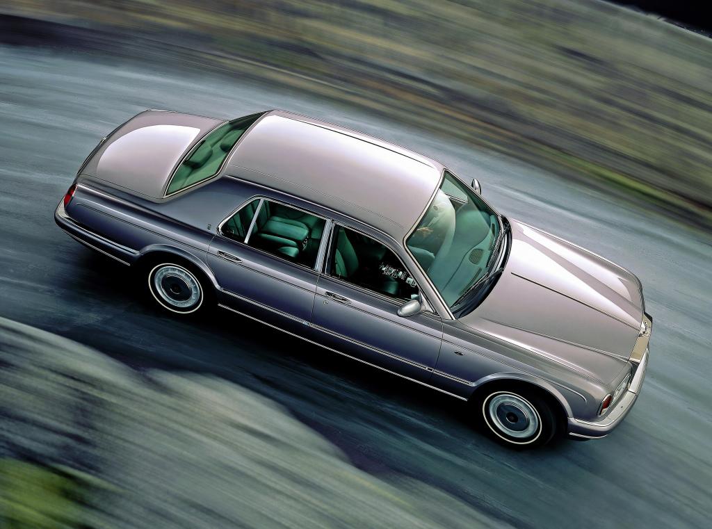 Rolls Royce Silver Seraph innebar en nystart för märket, med drivlinor från BMW och ägande från densamma. Ändå en kultiverad och påkostad vagn!